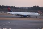 uhfxさんが、成田国際空港で撮影したデルタ航空 777-232/ERの航空フォト(写真)