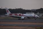 uhfxさんが、成田国際空港で撮影した中国国際航空 777-2J6の航空フォト(写真)