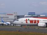 あしゅーさんが、福岡空港で撮影したティーウェイ航空 737-8Q8の航空フォト(飛行機 写真・画像)