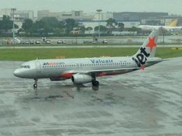 AIR JAPONさんが、シンガポール・チャンギ国際空港で撮影したジェットスター・アジア A320-232の航空フォト(飛行機 写真・画像)