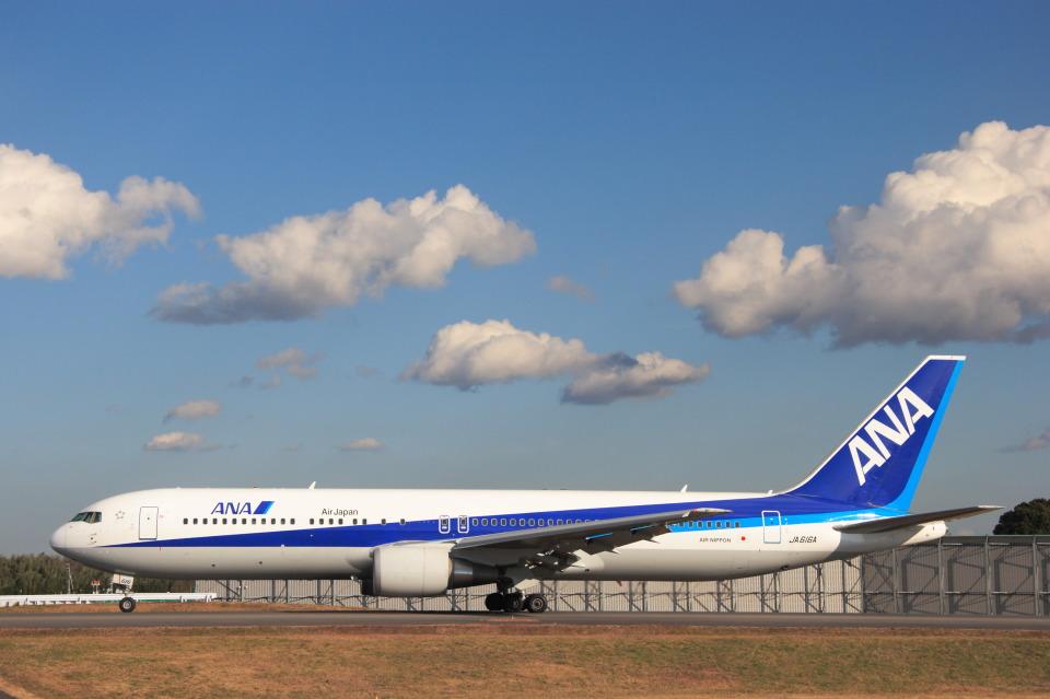 安芸あすかさんの全日空 Boeing 767-300 (JA616A) 航空フォト