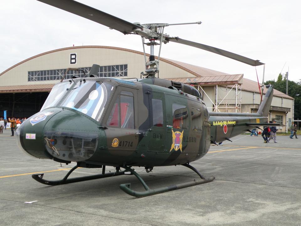 グリスさんの陸上自衛隊 Fuji UH-1H (41714) 航空フォト