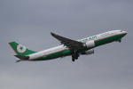 ANA744Foreverさんが、成田国際空港で撮影したエバー航空 A330-203の航空フォト(写真)