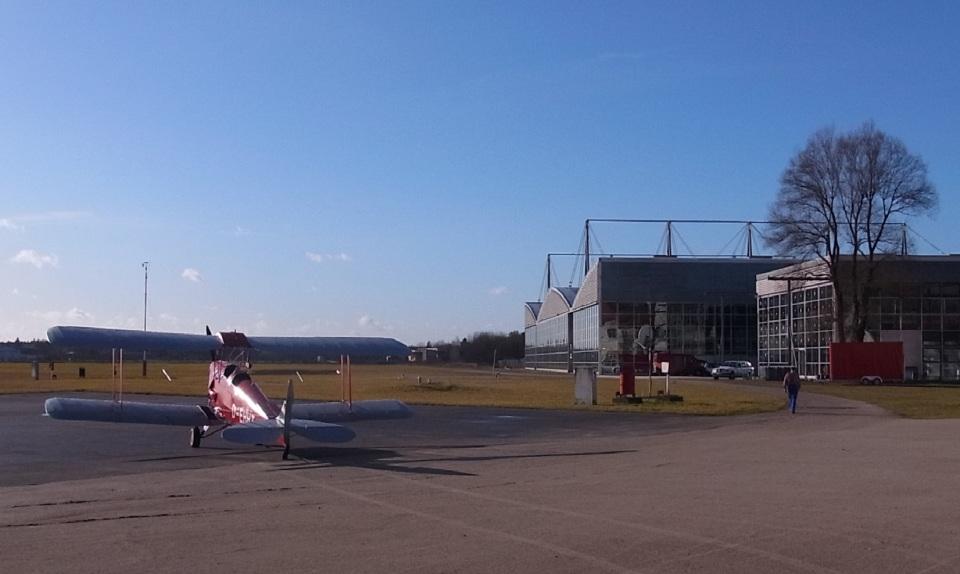 tohkuno563さんのドイツ個人所有 De Havilland DH.82 Tiger Moth (D-EHHT) 航空フォト
