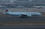 アイスコーヒーさんが、羽田空港で撮影したエア・カナダ 777-233/LRの航空フォト(写真)