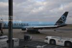 ムッシュさんが、パリ シャルル・ド・ゴール国際空港で撮影したラ・カンパニー 757-256の航空フォト(写真)