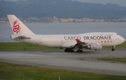なぁちゃんさんが、関西国際空港で撮影した香港ドラゴン航空 747-412(BCF)の航空フォト(飛行機 写真・画像)