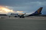 北の熊さんが、千歳基地で撮影したアトラス航空 747-446の航空フォト(飛行機 写真・画像)