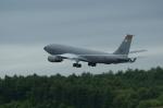 北の熊さんが、新千歳空港で撮影したアメリカ空軍 707-351C(EKC)の航空フォト(飛行機 写真・画像)