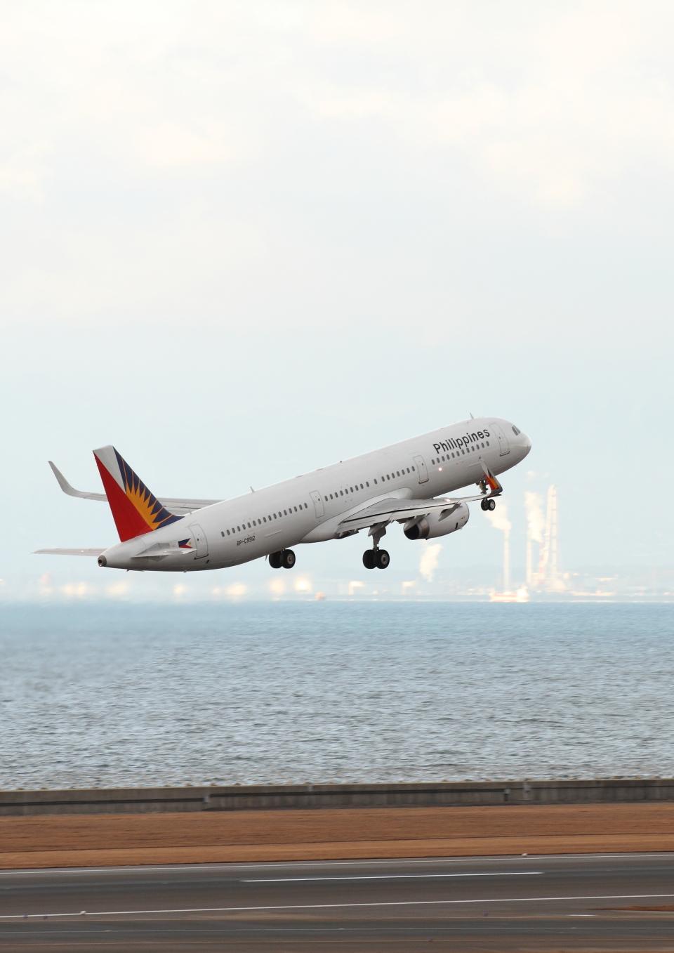 さんたまるたさんのフィリピン航空 Airbus A321 (RP-C9912) 航空フォト