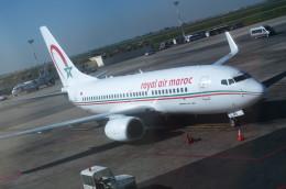 鼻たれ小僧さんが、ムハンマド5世国際空港で撮影したロイヤル・エア・モロッコ 737-7B6の航空フォト(写真)