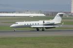 北の熊さんが、新千歳空港で撮影したLiberty Mutual Insurance Co G-IV-X Gulfstream G450の航空フォト(写真)