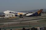 matsuさんが、ロサンゼルス国際空港で撮影したアトラス航空 747-47UF/SCDの航空フォト(写真)