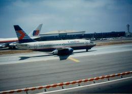 Tomochanさんが、ロサンゼルス国際空港で撮影したカナディアン航空 737-2T5/Advの航空フォト(飛行機 写真・画像)