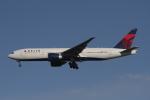 matsuさんが、ロサンゼルス国際空港で撮影したデルタ航空 777-232/LRの航空フォト(飛行機 写真・画像)