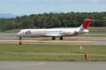 北の熊さんが、新千歳空港で撮影した日本航空 MD-81 (DC-9-81)の航空フォト(写真)