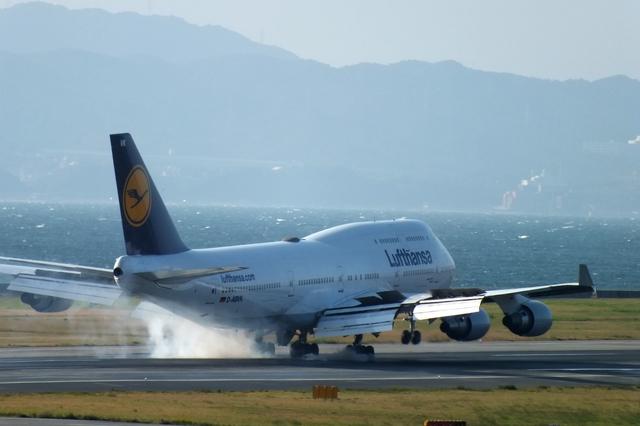山河 彩さんが、関西国際空港で撮影したルフトハンザドイツ航空 747-430の航空フォト(飛行機 写真・画像)