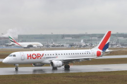 安芸あすかさんが、フランクフルト国際空港で撮影したエールフランス・オップ! ERJ-190-100 LR (ERJ-190LR)の航空フォト(飛行機 写真・画像)