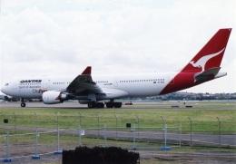 amagoさんが、シドニー国際空港で撮影したカンタス航空 A330-201の航空フォト(飛行機 写真・画像)
