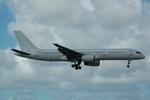 makoto7156さんが、マイアミ国際空港で撮影した国際連合 757-23Nの航空フォト(写真)