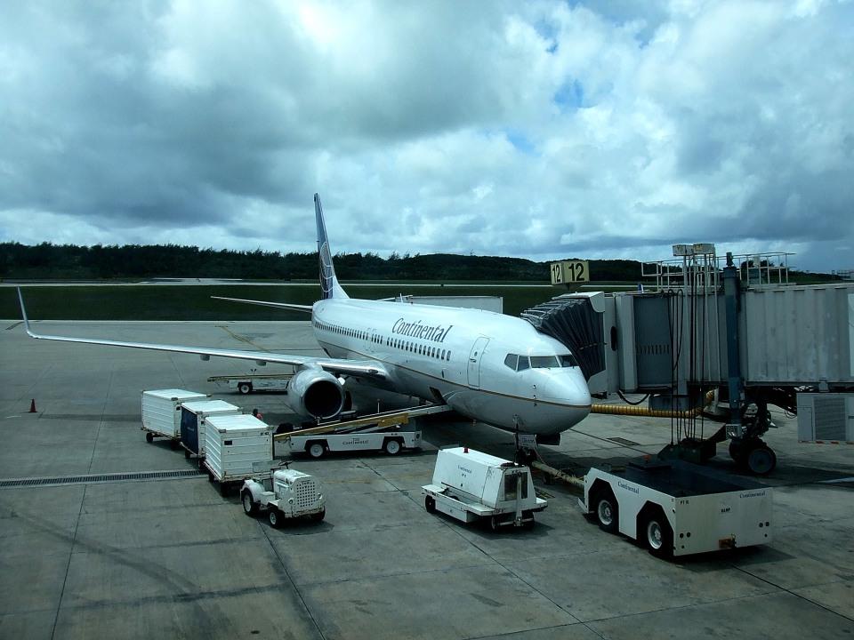 tsubasa0624さんのコンチネンタル航空 Boeing 737-800 (N14235) 航空フォト