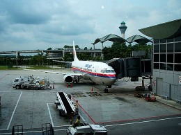 tsubasa0624さんが、クアラルンプール国際空港で撮影したマレーシア航空 737-4H6の航空フォト(写真)