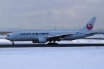 deka2さんが、新千歳空港で撮影した日本航空 777-246の航空フォト(写真)