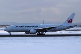 deka2さんが、新千歳空港で撮影した日本航空 777-246の航空フォト(飛行機 写真・画像)