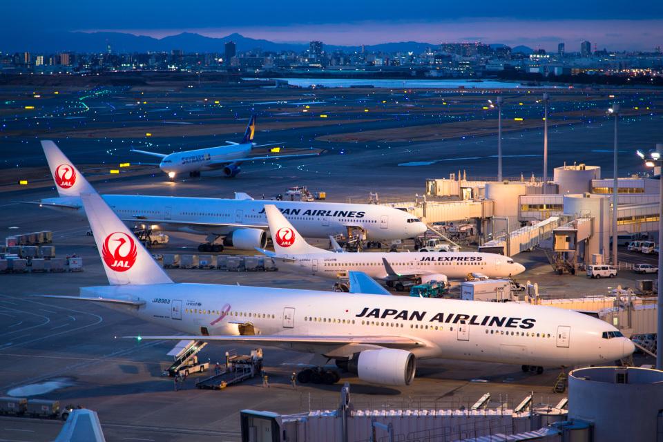 delawakaさんの日本航空 Boeing 777-200 (JA8983) 航空フォト