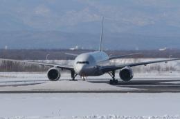 fujikazuさんが、新千歳空港で撮影した日本航空 777-246の航空フォト(飛行機 写真・画像)