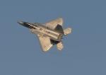 じーく。さんが、嘉手納飛行場で撮影したロッキード・マーティン F-22A Raptorの航空フォト(飛行機 写真・画像)