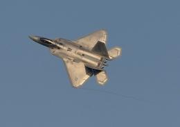 じーく。さんが、嘉手納飛行場で撮影したロッキード・マーティン F-22A Raptorの航空フォト(写真)