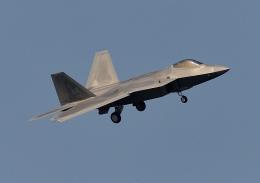 じーく。さんが、嘉手納飛行場で撮影したアメリカ空軍 F-22A-30-LM Raptorの航空フォト(写真)