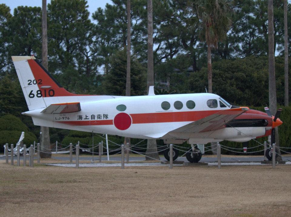Mame @ TYOさんの海上自衛隊 Beechcraft 90 King Air (6810) 航空フォト