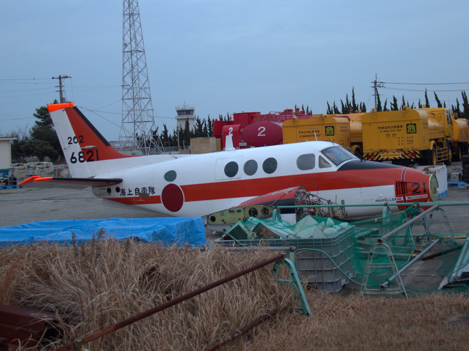 Mame @ TYOさんの海上自衛隊 Beechcraft 90 King Air (6821) 航空フォト