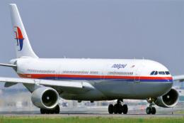 航空フォト:9M-MKB マレーシア航空 A330-300