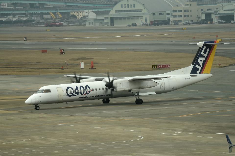 tsubasa0624さんの日本エアコミューター Bombardier DHC-8-400 (JA842C) 航空フォト