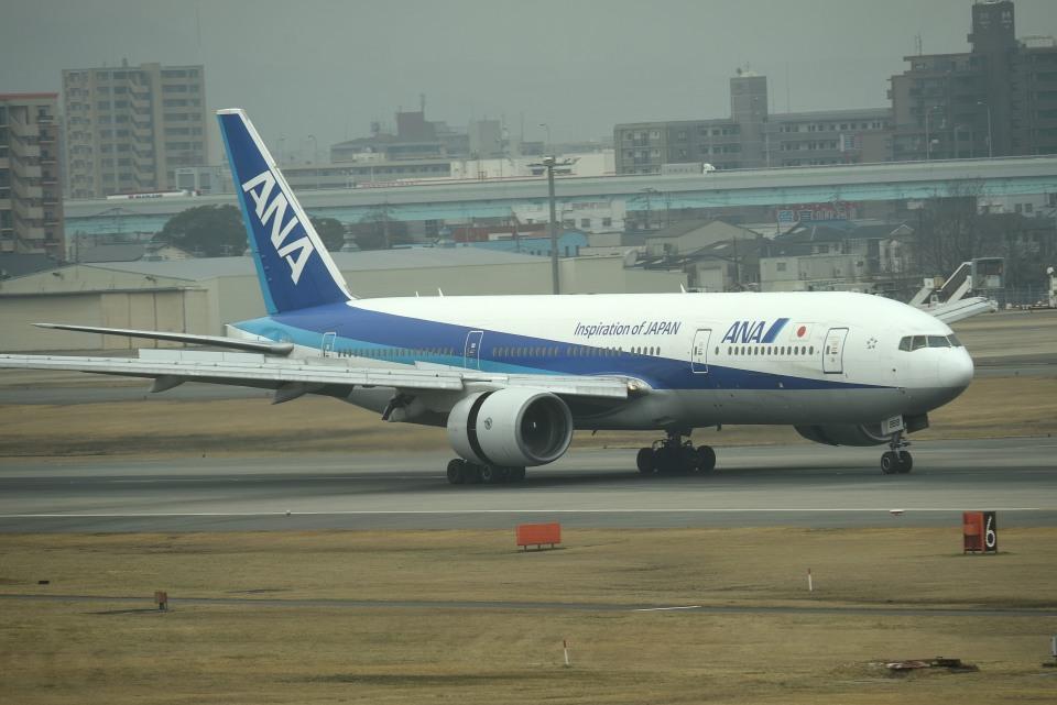 tsubasa0624さんの全日空 Boeing 777-200 (JA8969) 航空フォト