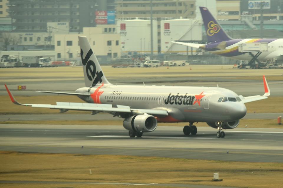 tsubasa0624さんのジェットスター・ジャパン Airbus A320 (JA17JJ) 航空フォト