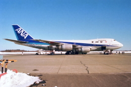 ATOMさんが、帯広空港で撮影した全日空 747SR-81の航空フォト(飛行機 写真・画像)
