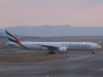 あしゅーさんが、関西国際空港で撮影したエミレーツ航空 777-36N/ERの航空フォト(飛行機 写真・画像)