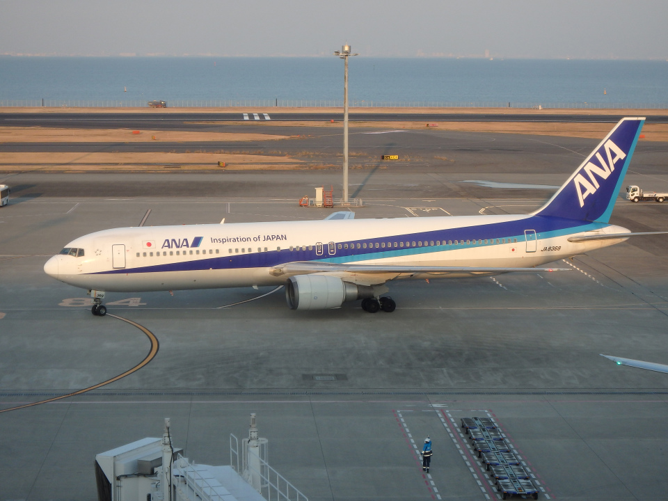 まっつーさんの全日空 Boeing 767-300 (JA8368) 航空フォト