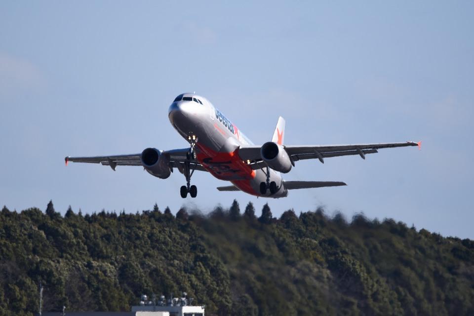 tsubasa0624さんのジェットスター・ジャパン Airbus A320 (JA09JJ) 航空フォト