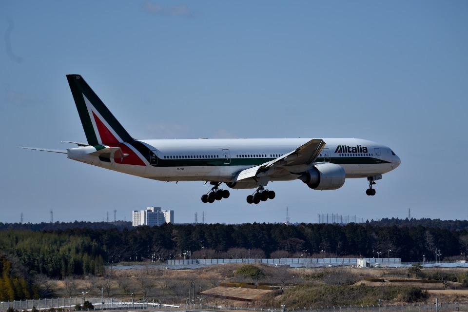 tsubasa0624さんのアリタリア航空 Boeing 777-200 (EI-ISD) 航空フォト