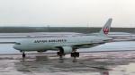 J-birdさんが、新千歳空港で撮影した日本航空 777-246の航空フォト(写真)