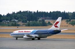 Gambardierさんが、シアトル タコマ国際空港で撮影したパシフィック・ウェスタン航空 737-275/Advの航空フォト(飛行機 写真・画像)