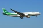 RUSSIANSKIさんが、クアラルンプール国際空港で撮影したイラク航空 A330-202の航空フォト(飛行機 写真・画像)