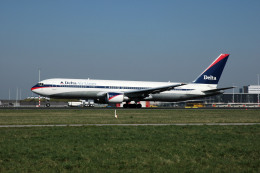 Gambardierさんが、アムステルダム・スキポール国際空港で撮影したデルタ航空 767-332/ERの航空フォト(写真)