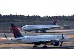 tsubasa0624さんが、成田国際空港で撮影したデルタ航空 777-232/ERの航空フォト(飛行機 写真・画像)