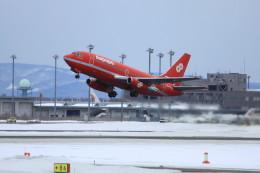 オポッサムさんが、新千歳空港で撮影したオーロラ 737-2J8/Advの航空フォト(飛行機 写真・画像)